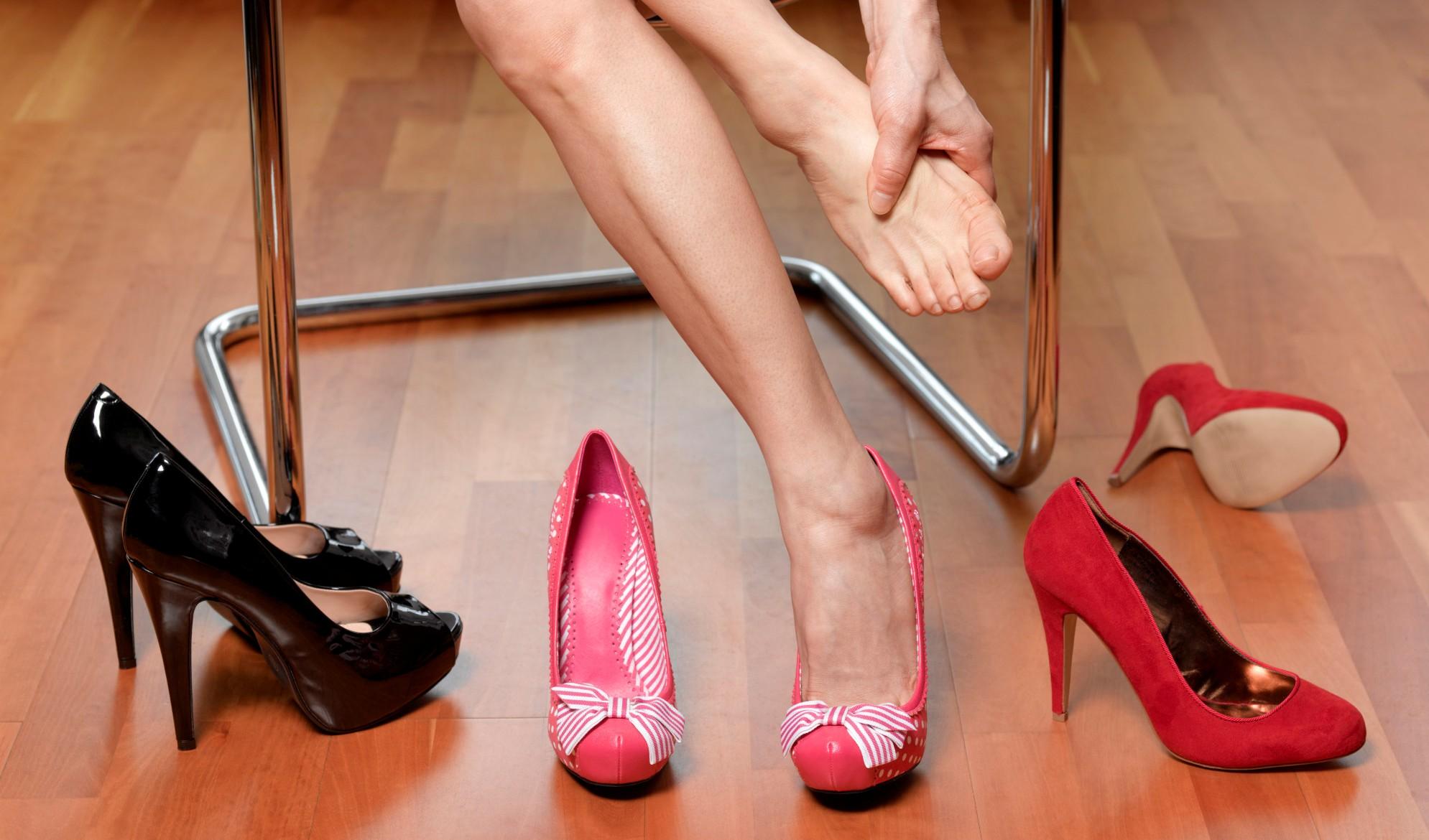 memakai high heels