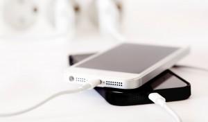 charge baterai smartphone
