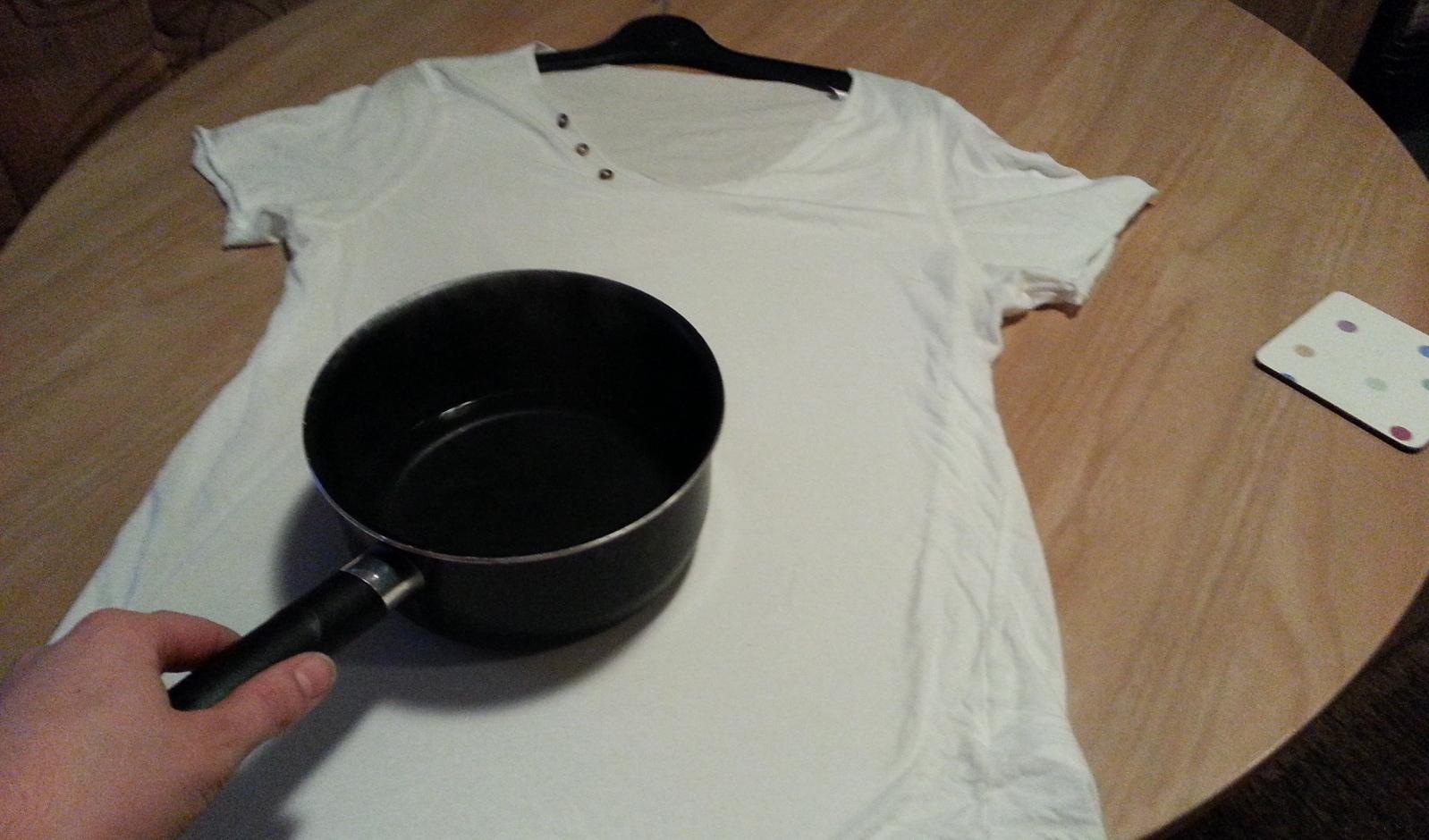 merapikan baju kusut tanpa setrika