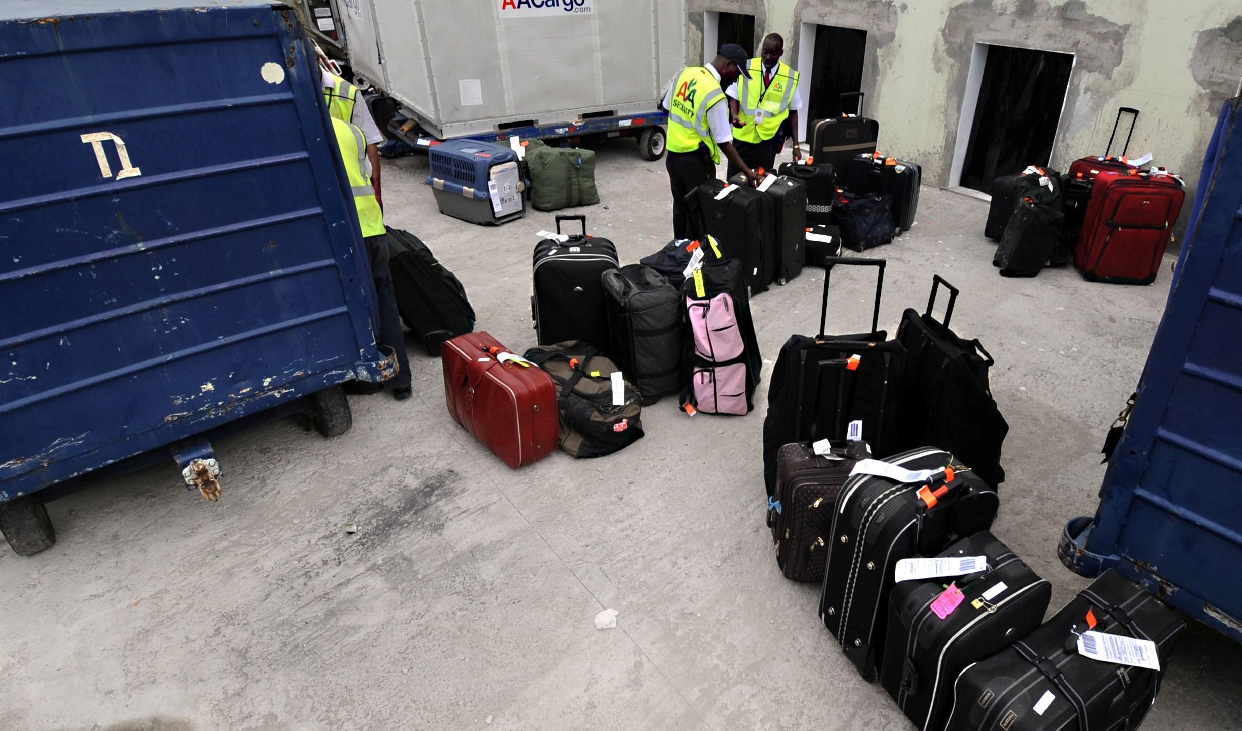 tips aman bagasi pesawat