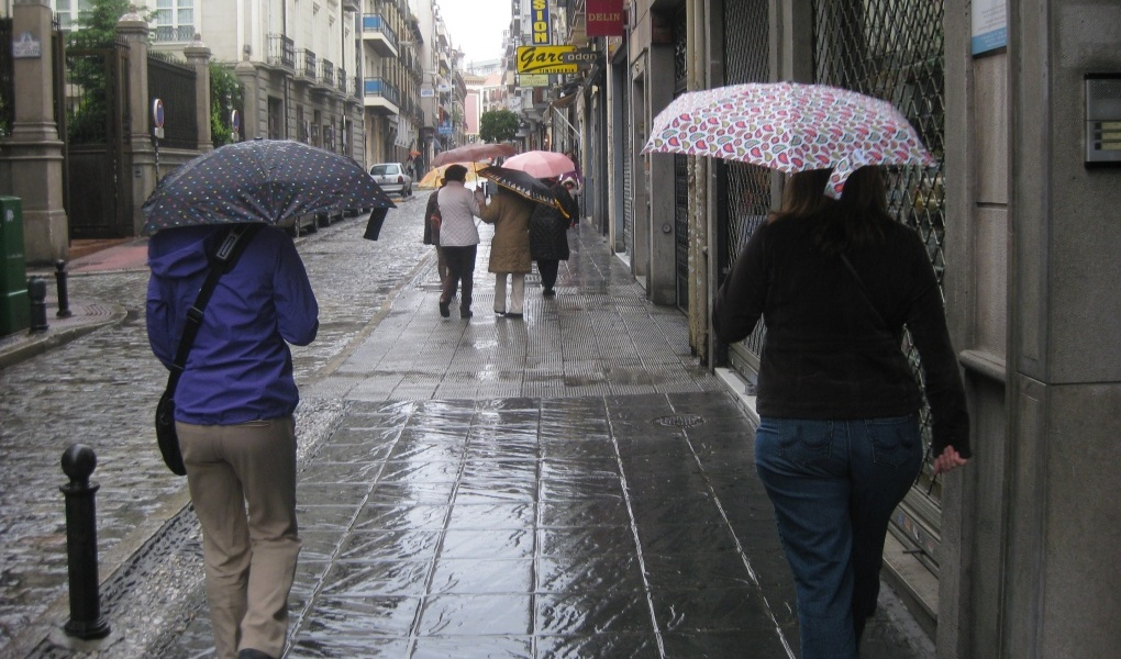 traveling saat hujan