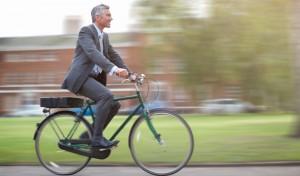 bersepeda untuk berhemat