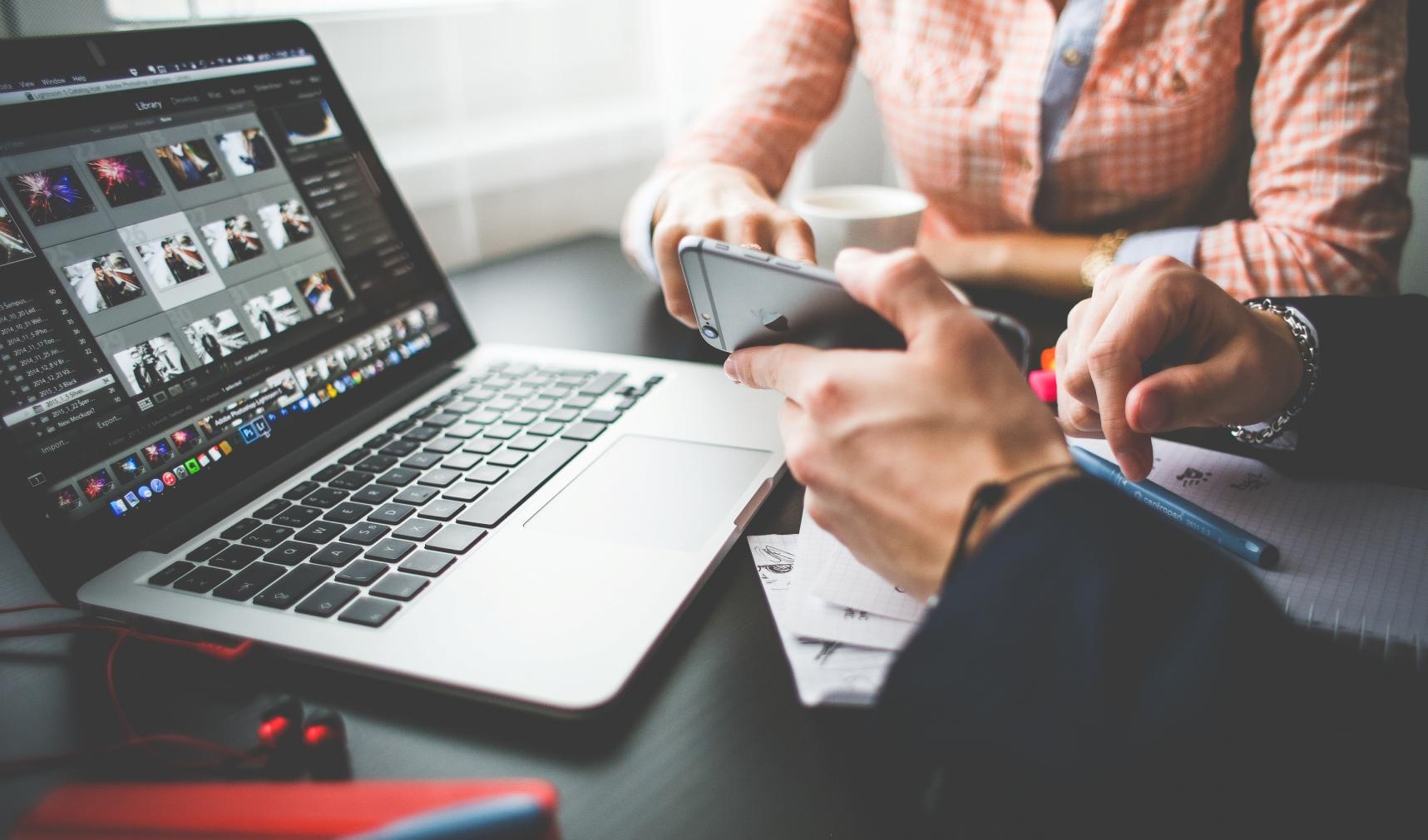 7 Cara Memulai Bisnis Tanpa Harus Berhenti Kerja